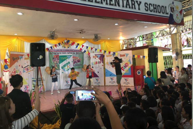 Yey's 'Bida Best' School Tour Back